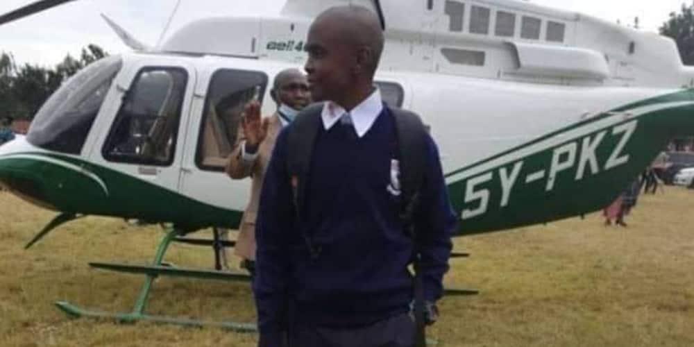 Raila Odinga Ampeleka Mwanafunzi Shuleni Maranda kwa Chopa
