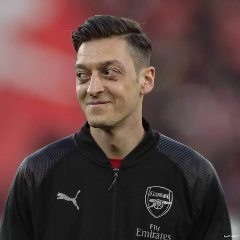 Mesut Ozil: Fenerbahce reportedly want loan signing of Arsenal star