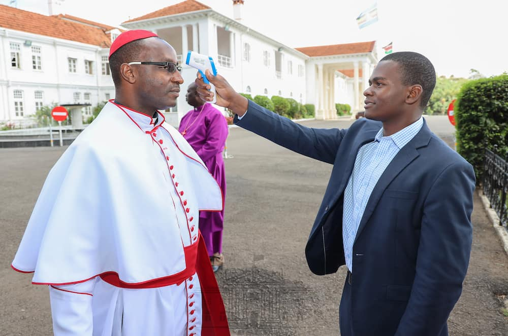 National Day of Prayer: Uhuru, leaders observe one metre social distance to prevent COVID-19 spread