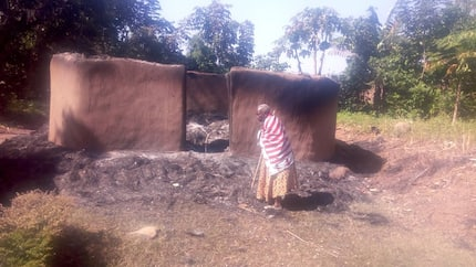 Busia: Form One student killed visiting girlfriend at night, 53 houses burnt in revenge