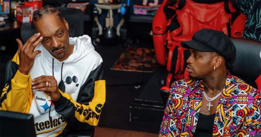 Diamond (r) and Snoop Dogg (l).