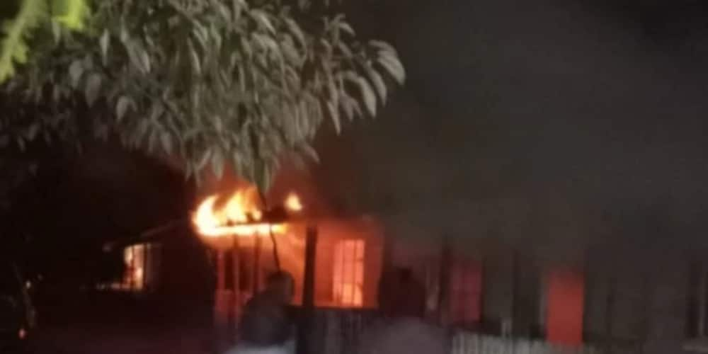 Naivasha: Angry residents set police camp on fire over harassment, 8 officers escape unhurt