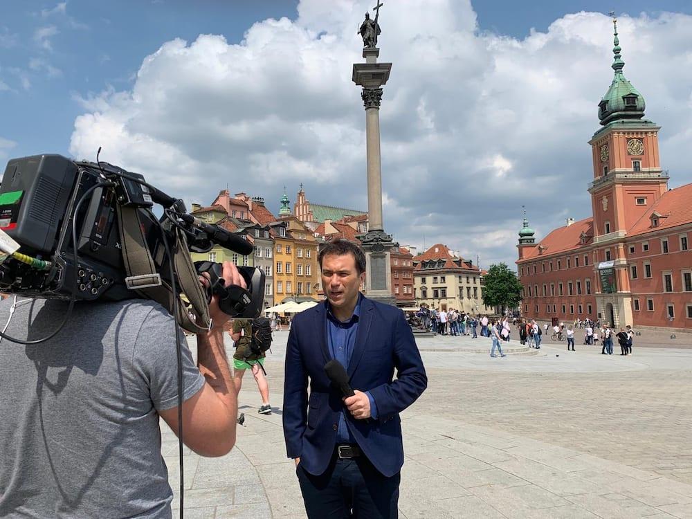 Who are the BBC News presenters?
