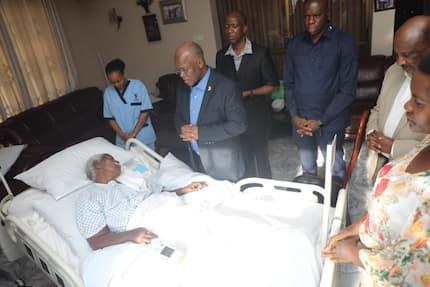 Tanzania President prays by bedside of hospitalised mum
