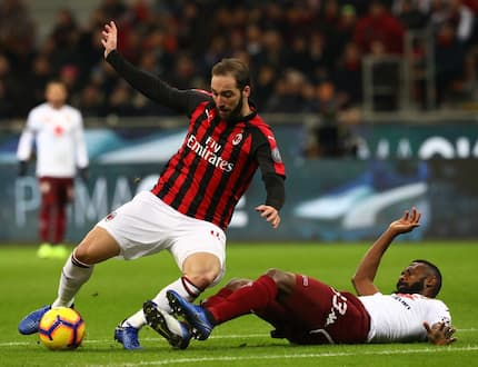 Chelsea fans react after Higuain spotted missing in AC Milan team picture