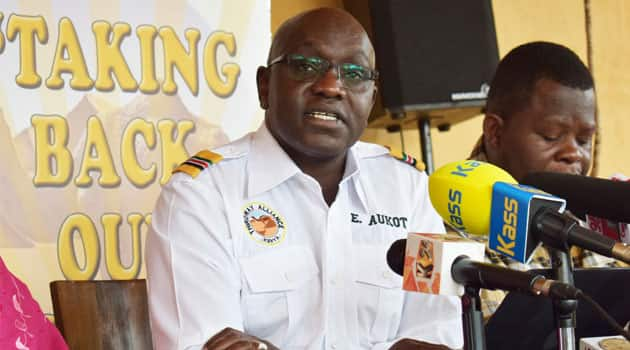 Ekuru Aukot wants Uhuru, other leaders to take pay cut, cushion poor Kenyans against COVID-19