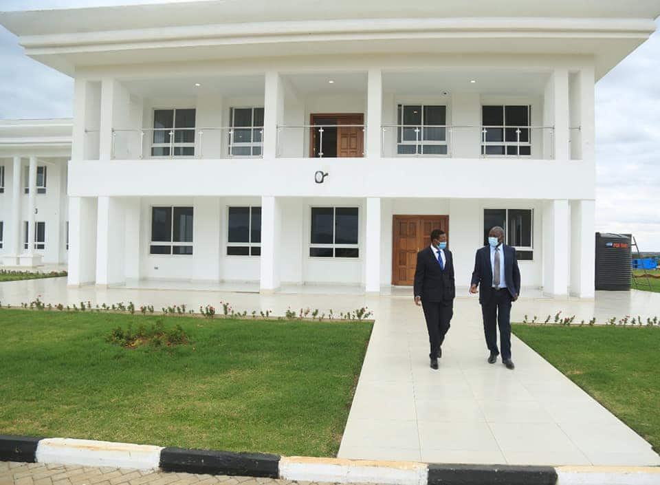 Murkomen sparks reactions after saying Alfred Mutua's hotel resembles governor's palatial office