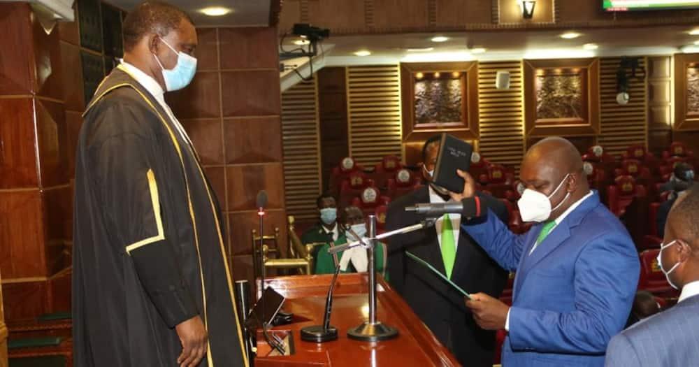 Kabuchai MP Majimbo Kalasinga being sworn in. Photo: National Assembly.