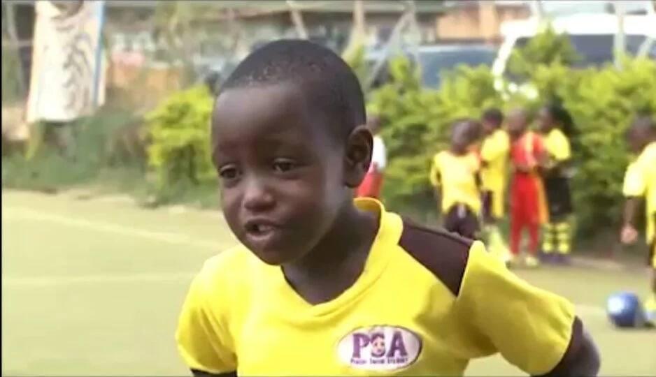 Mvulana mdogo ashangaza ulimwengu kwa uchanganuzi wake wa soka (Video)
