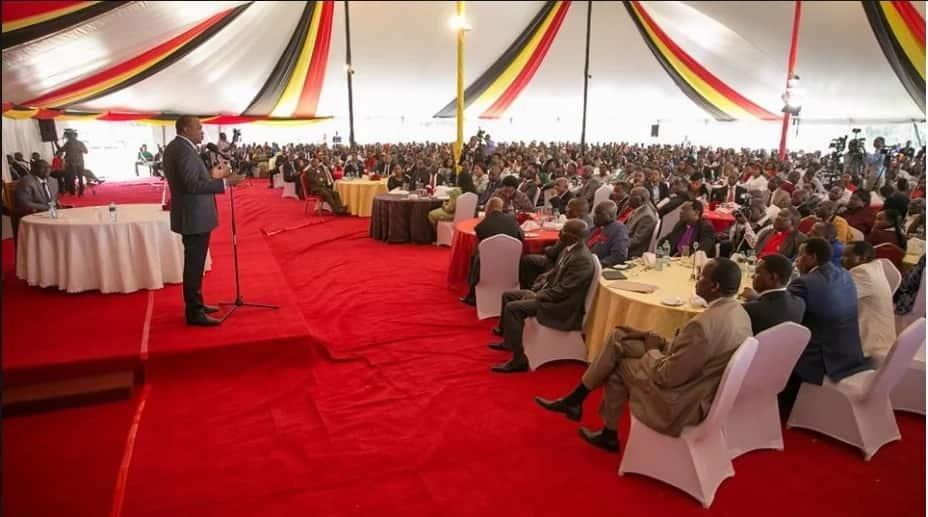 Sonko, Mutua wamtaka Rais Uhuru kutowasikiliza mawakala wa kisiasa Ukamani