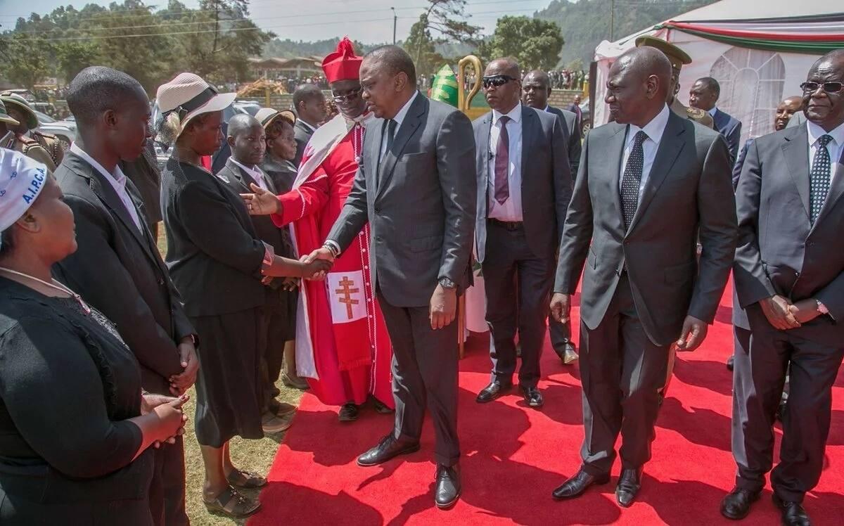 Kenyans welcome Uhuru Kenyatta's move to kick NTSA out of the roads