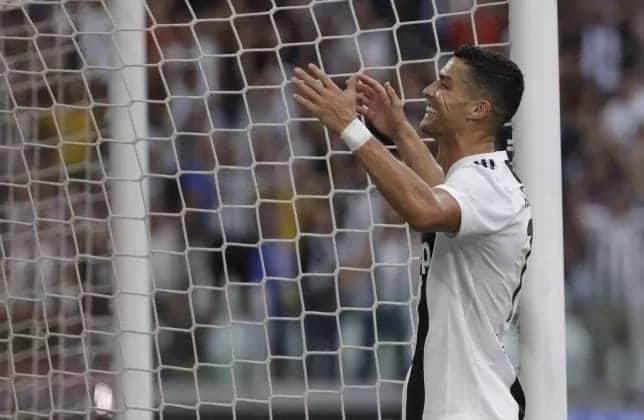 Ronaldo's brilliant reaction after missing an open goal in home debut for Juventus shows he is a true leader