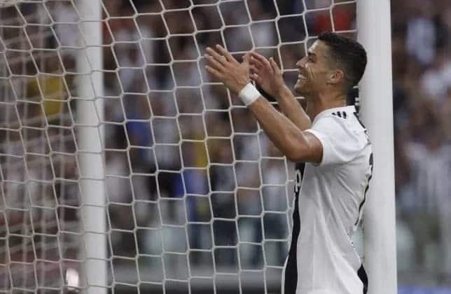 Ronaldonho amtaja mchezajo bora kati ya Messi na Ronaldo