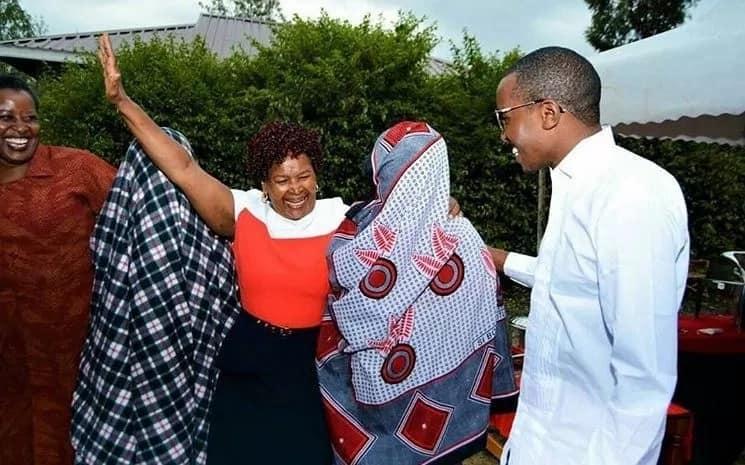 Wanaommezea mate mwanamuziki Vivian ni wakati wa kusahau…