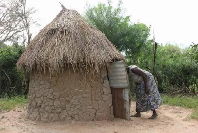 Maafisa wa polisi Murang'a kuufukua mwili wa mama aliyeuawa na kuzikwa katika choo miaka 2 iliyopita