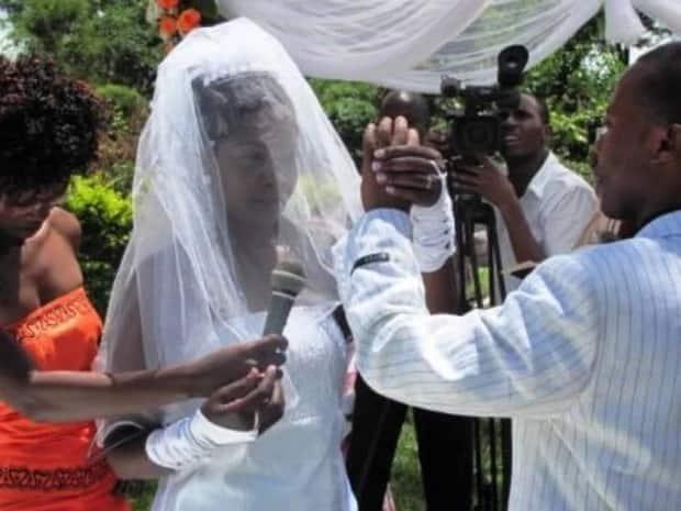 Gloria Muliro wedding photos and story