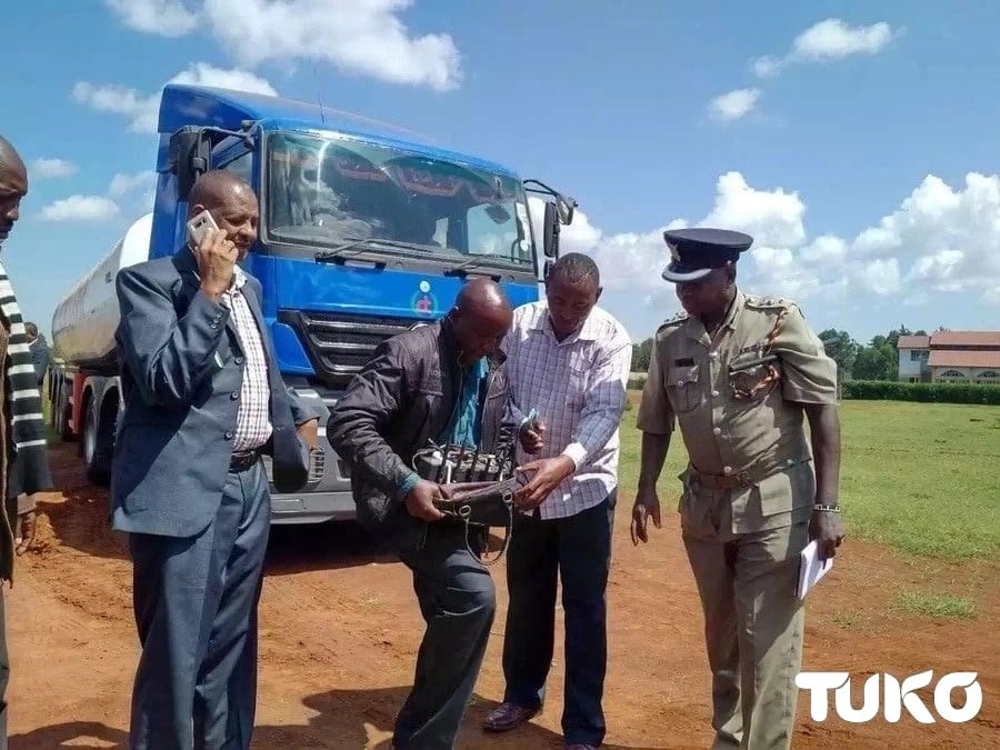 Maafisa wa polisi Eldoret wawakamata washukiwa 4 wa kuuza mafuta yasiyo safi