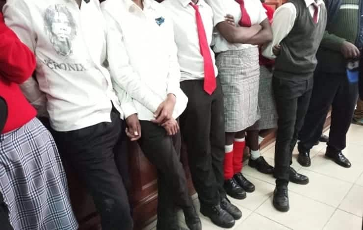 Police arrest 53 drunk students in speeding matatu on Thika-Sagana highway