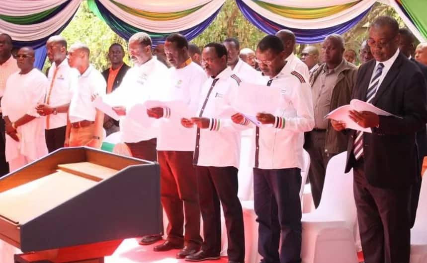 Nairobi governor Evans Kidero scores on Jubilee voters after attending prayers with Uhuru
