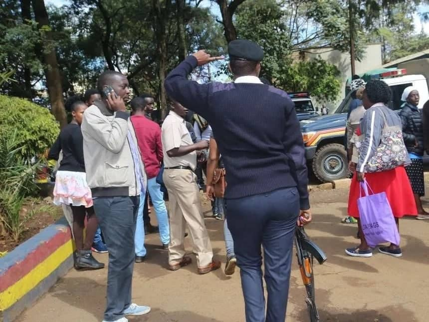 Narrow escape for Eldoret police officer after thug snatches gun but drops magazine before shooting