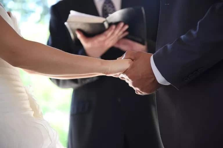 Bible verses about young love, Best bible verses about love, Bible verses about love and marriage