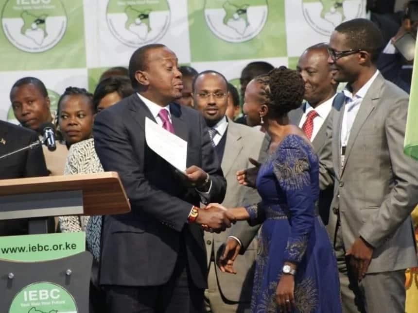 Kamishna wa IEBC azuiliwa na kuondolewa kwenye ndege ya kwenda Marekani