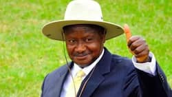 Rais Yoweri Museveni Adokeza Kwamba Atajiuzulu Mwaka wa 2026