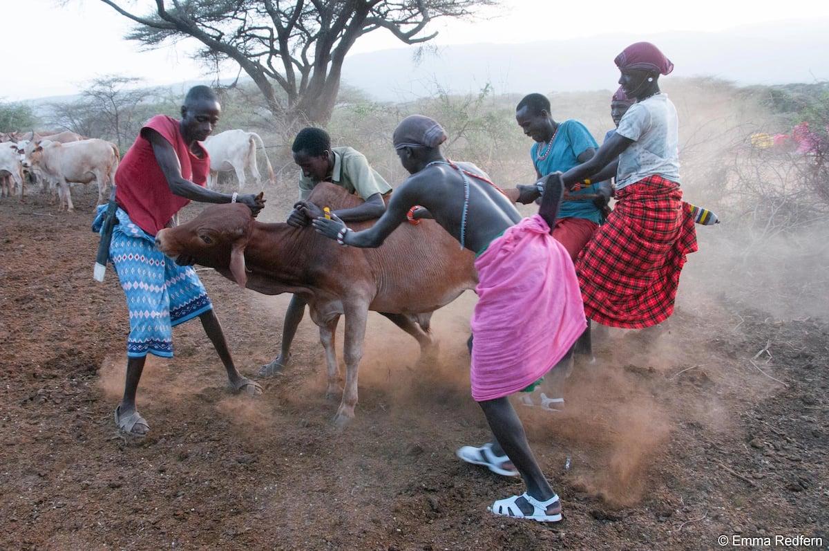 Taratibu za kushangaza zinazofanywa mazishini Kenya (picha)