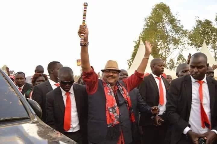Ripota wa Citizen TV Eldoret 'apeperushwa' makofi na Mbunge wa Jubilee