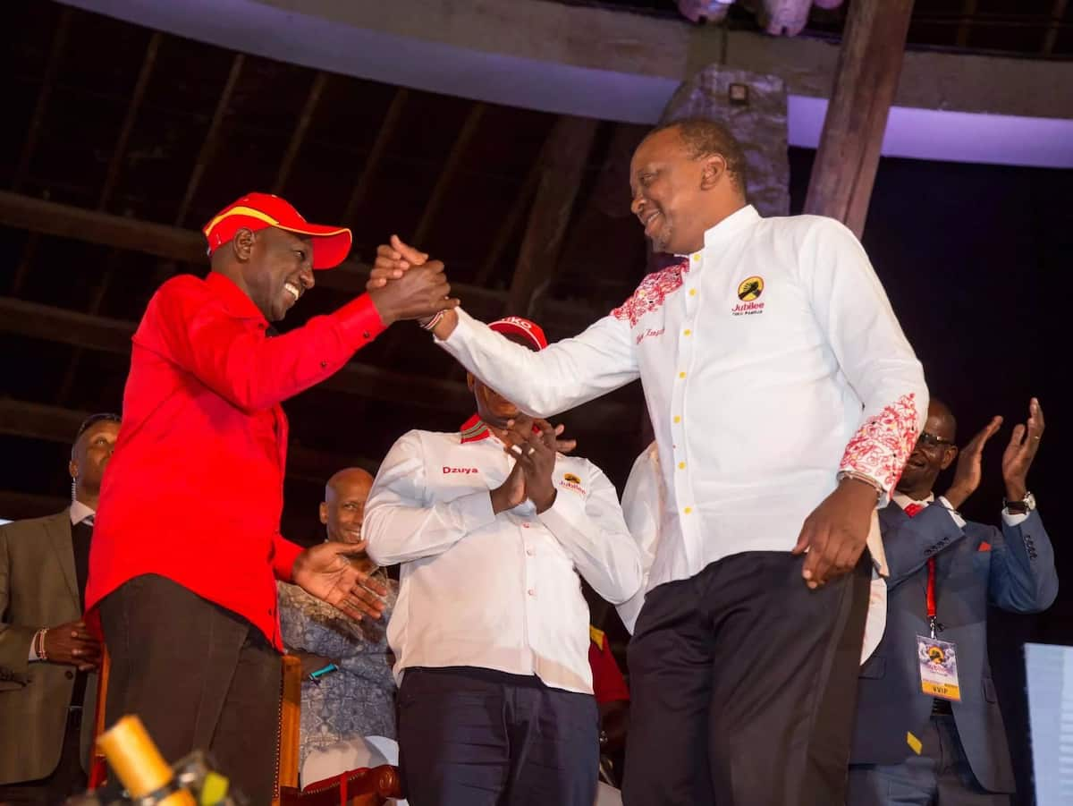 DP Ruto likes loitering around, if you see a problem tell him - Uhuru Kenyatta