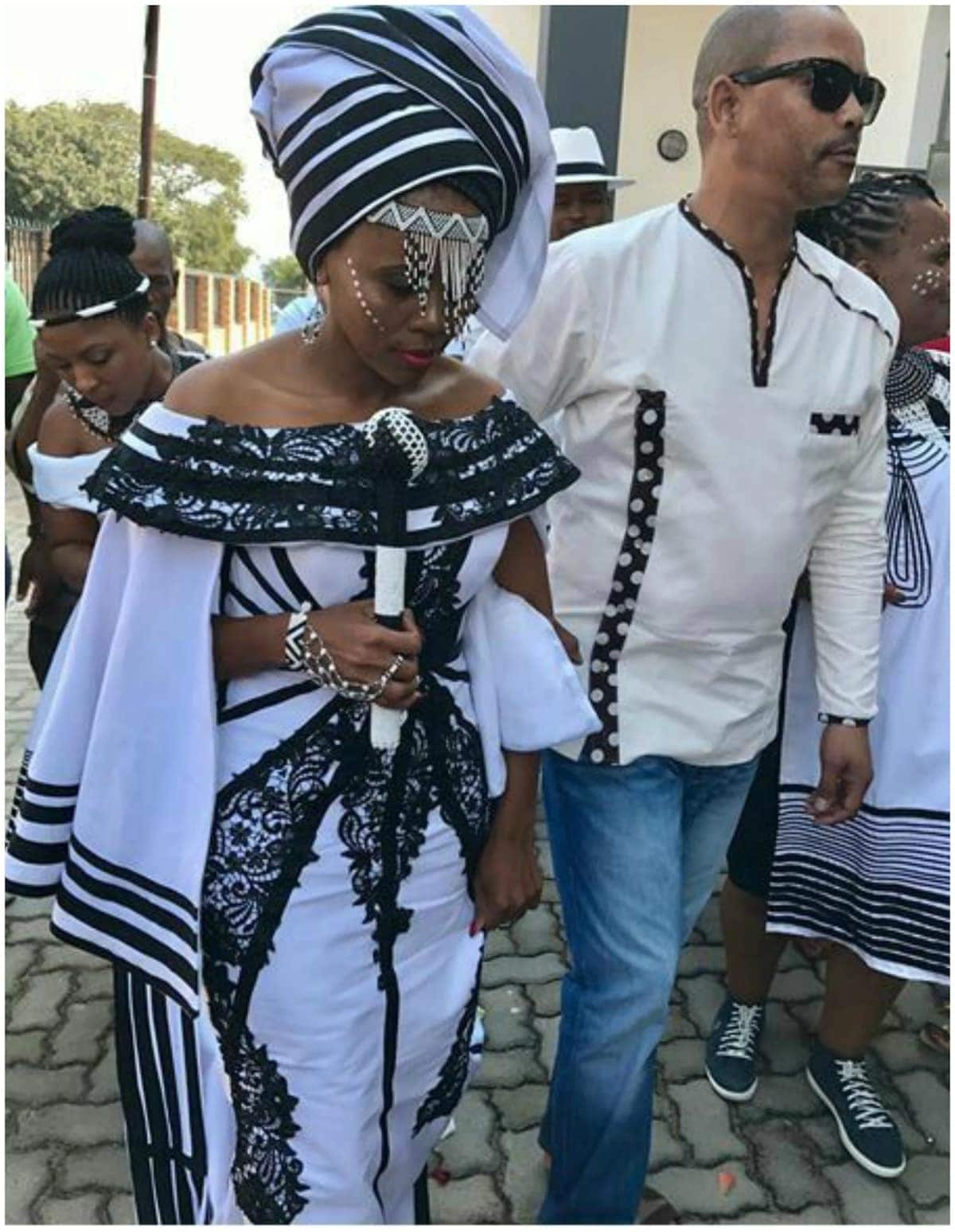 Xhosa traditional wedding attire Xhosa traditional attire for wedding Xhosa traditional wedding attire for bride and groom
