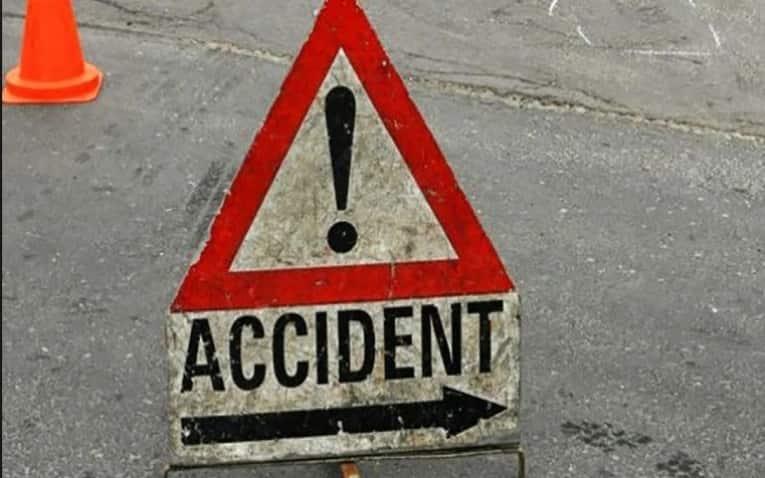 Fatal road crash along Mombasa-Nairobi highway.