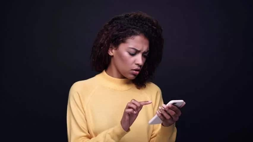 17 hilarious excuses Kenyan men give women when they can't answer the phone until the next day