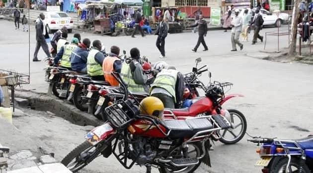 Daktari Baba Nyasi wa Manyasi makes a notorious motorbike thief in Eldoret eat grass