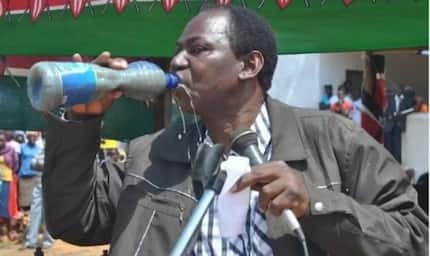 MP surprises Cabinet Secretary after drinking dirty water in public