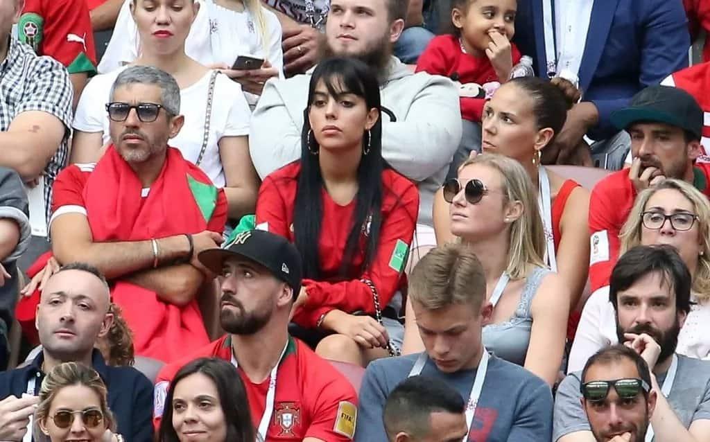 Picha za tamu za mchumba wa Cristiano Ronaldo akimshangilia nchini Ureno