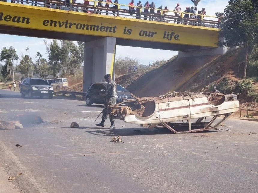 Kiambu residents demand the arrest of Ngilu after charcoal lorry was burnt