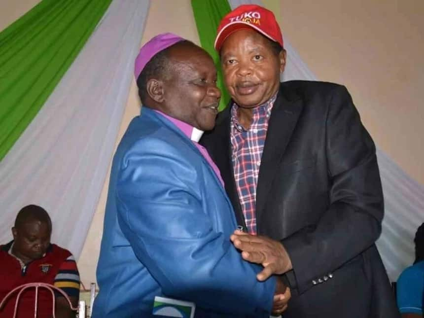More drama in Central Kenya after Uhuru was told to drop CS Kiunjuri from his cabinet