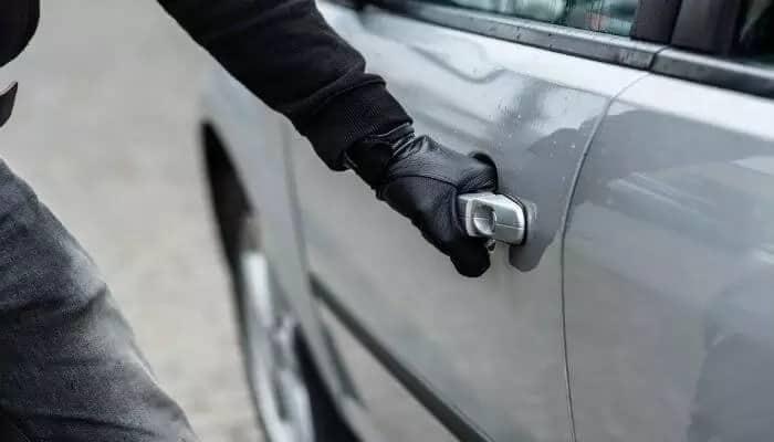 'Super' Daktari Nyuki recovers stolen Mercedes Benz worth KSh7million in Malaba