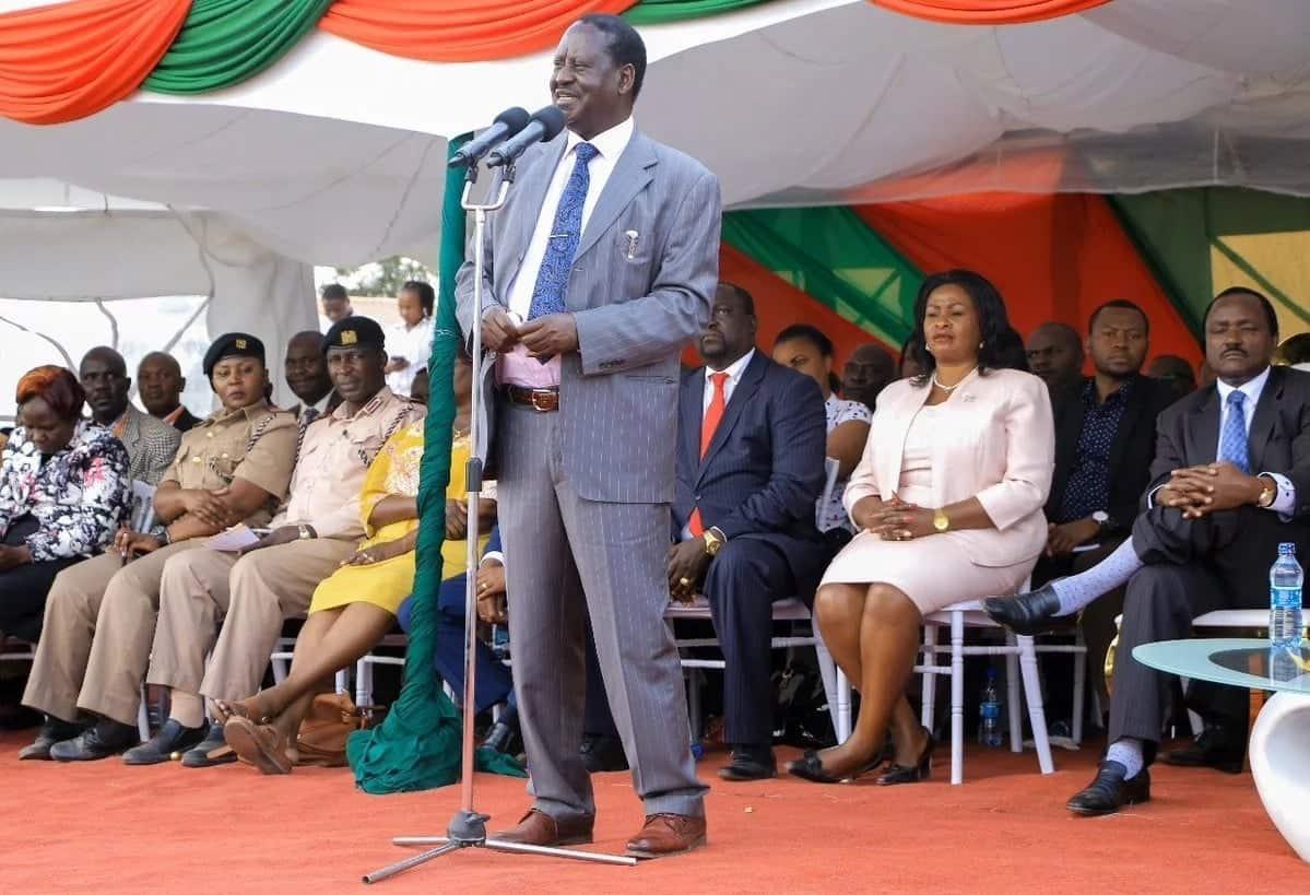 William Ruto anaogopa vita dhidi ya ufisadi - Raila Odinga