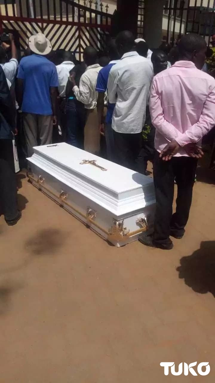 Bungoma family dumps body of kin who died in Dubai at gate to governors office
