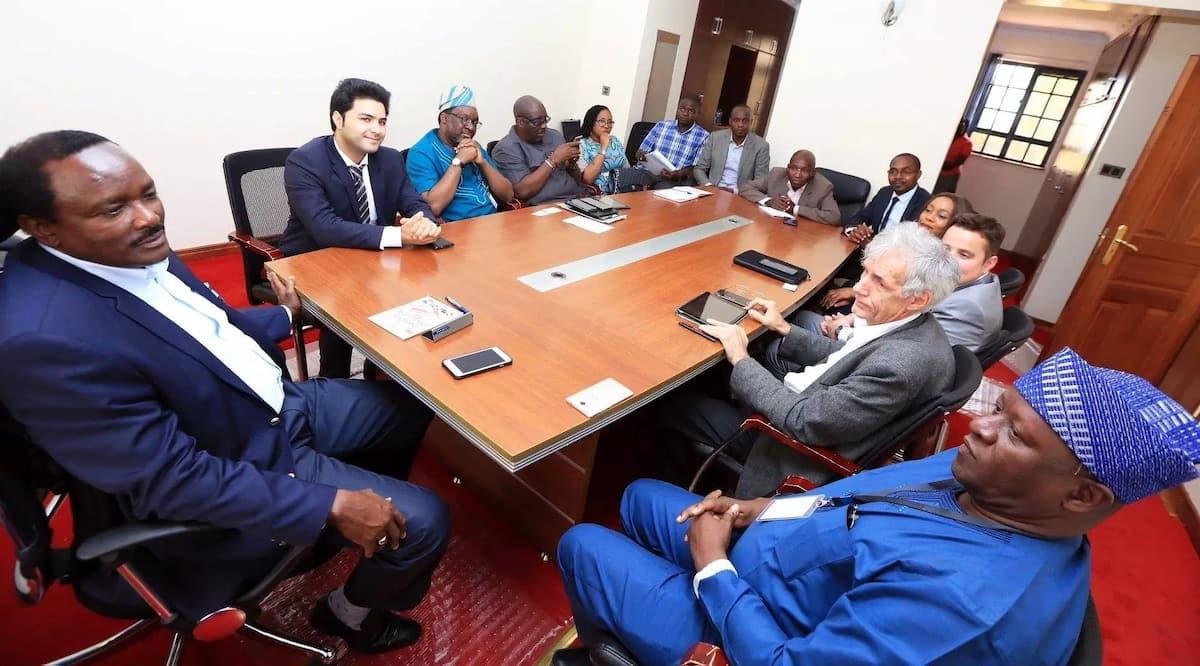 Kalonzo aazimia kuchafua Jubilee na Nasa ili kuingia Ikulu 2022