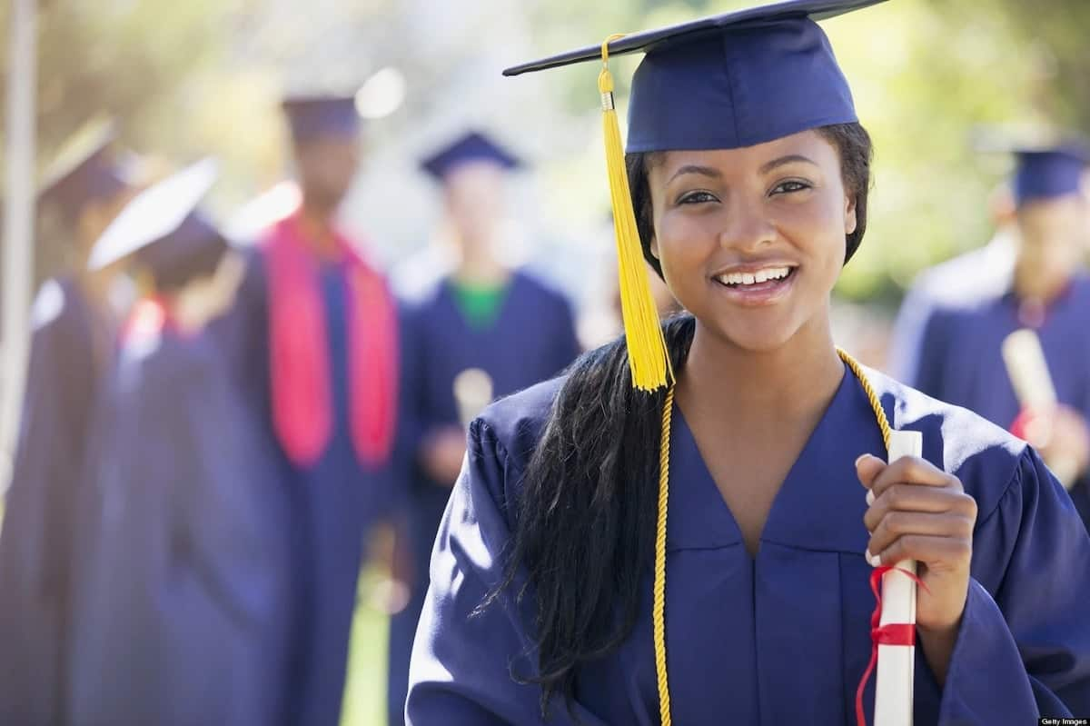 Scholarships in Canada for international students, free scholarships in Canada, full tuition scholarships for international students in Canada