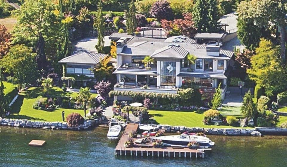 bill gates house and cars bill gates house pictures richest man in the world bill gates house bill gates' house bill gates house trampoline room bill gates house interior