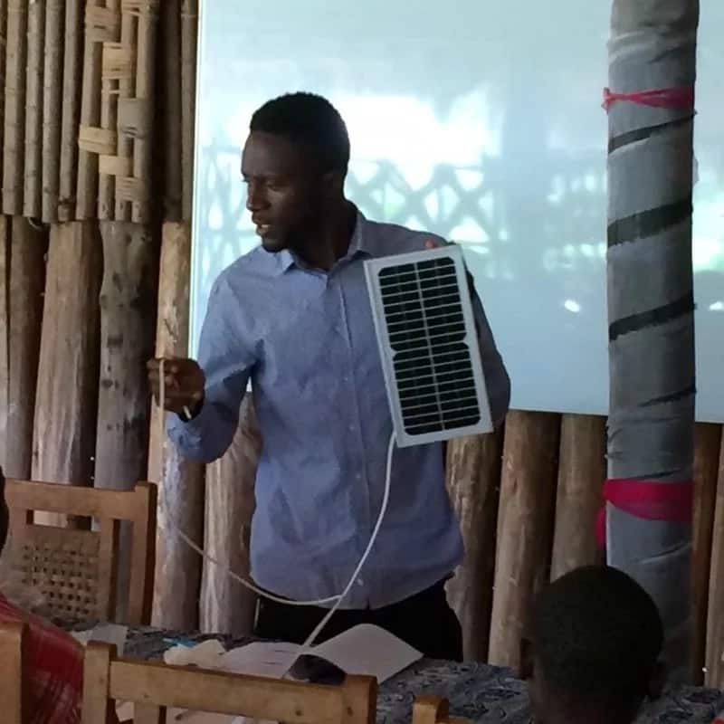 Bolivie Wakam is training young people in rural Cameroon how to install and maintain solar panels