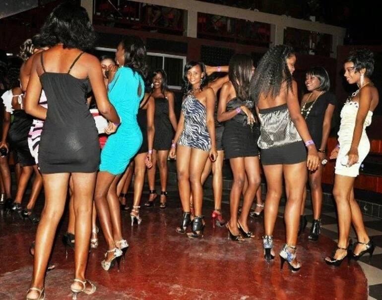 University girl caught inserting bottle in colleague's privates ▷ Tuko.co.ke
