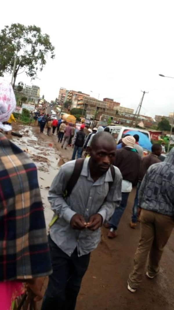 Matatu operators block Mwiki-Kasarani road to protest release of men who clobbered tout to death