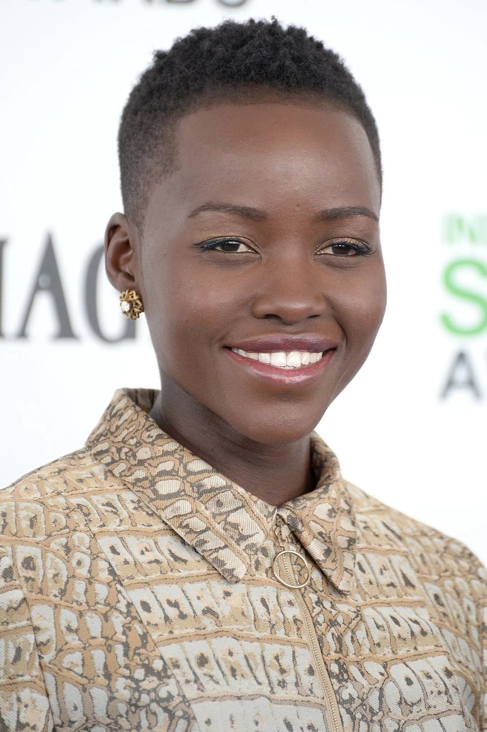 Short haircuts for black women 11