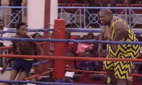 Eric Omondi amshinda 'bingwa' wa Wrestling kwa njia rahisi sana (Video)