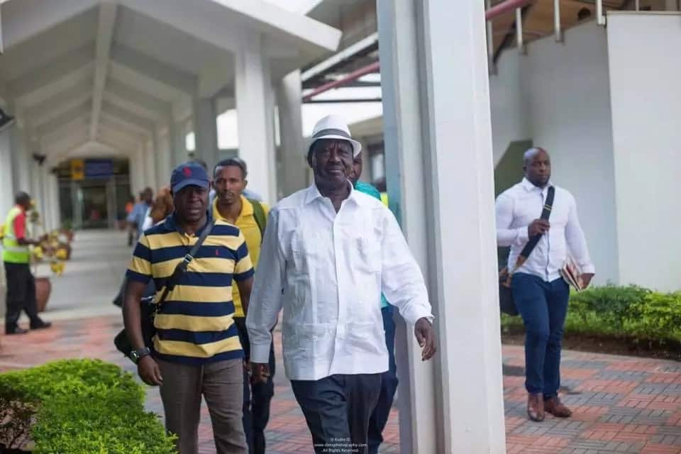 Raila praises Joho, makes promise to the governor in front of thousands